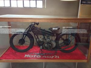50 Moto Guzzi Mandello